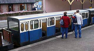 ... グラス&エクスデール鉄道